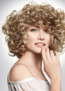 уход за вьющимися волосами не простой