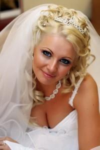 свадебные прически с диадемой2