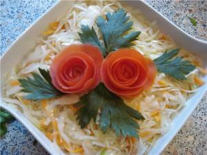вкусный салат из свежей капусты