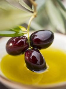Чем полезны оливки и маслины,разница между оливками и маслинами