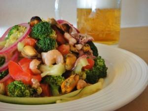 рецепт приготовления морского коктейля,вкусные салаты из морепродуктов,блюда из морского коктейля рецепты