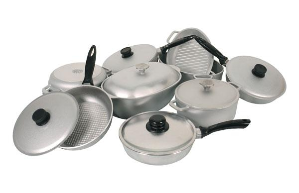 какую посуду выбрать, кухонный инвентарь и посуда, кухонная посуда из нержавеющей стали