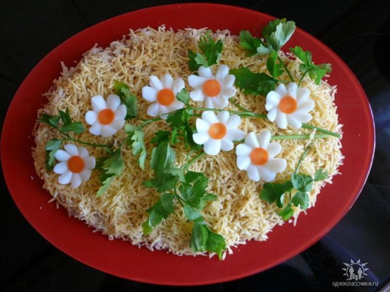 Как красиво оформить салат