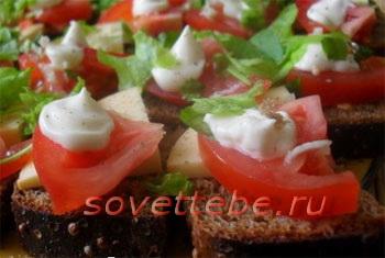 Канапе с бородинским хлебом